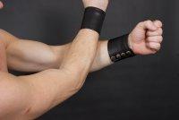 R&Co Wrist Wallet Black