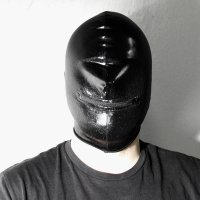 R&Co Mask no eyes with a zipped mouth Black