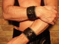 R&Co Wrist Restraints Small + Piping
