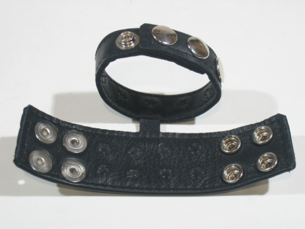 R&Co Double Cockstrap with Ball Stretcher and Dull Pins