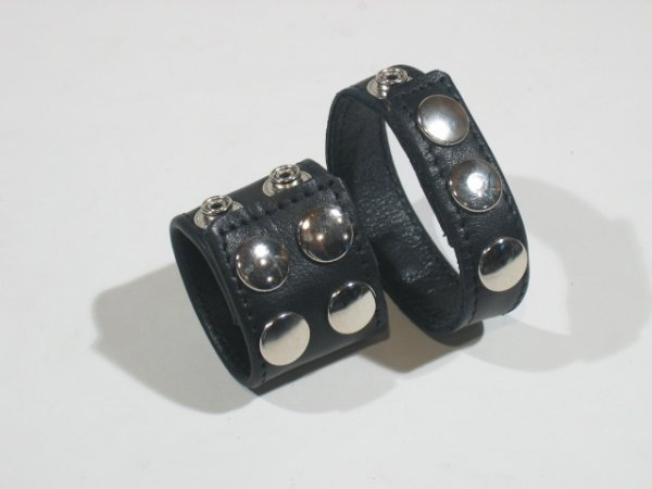 R&Co Double Cockstrap with Ball Stretcher and Sharp Pins