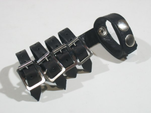 R&Co Gates of Hell with 4 Buckle Straps