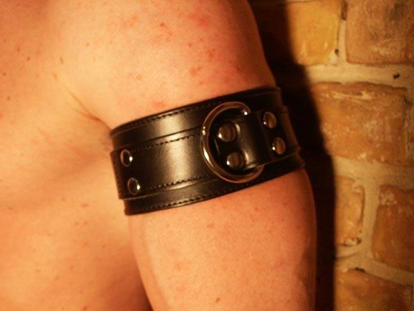R&Co Massive Bicep Band with Black Center