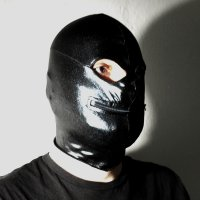 R&Co Mask with eyes and zipped mouth Black