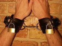 R&Co Wrist Restraint Lockable