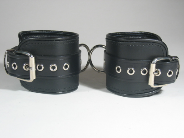 R&Co Ankle Restraints Piping Black - normal size