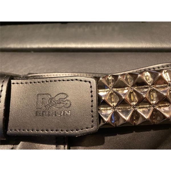 R&Co Leather Belt Pyramide  5 cm