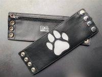 R&Co Wrist Wallet + Paw White